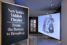 "New York's Yiddish Theater <br/><span class=""sub"">Museum of the  <br/>City of New York</span>"